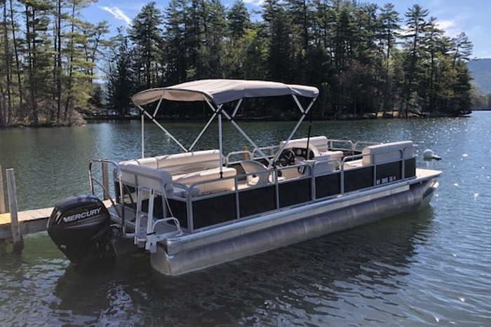 90 HP Pontoon Boat Rental