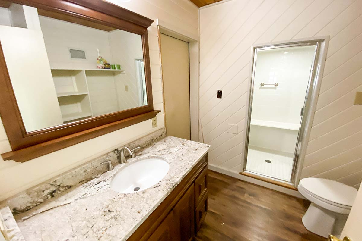 Sweetbriar Villa Bathroom with stand up shower